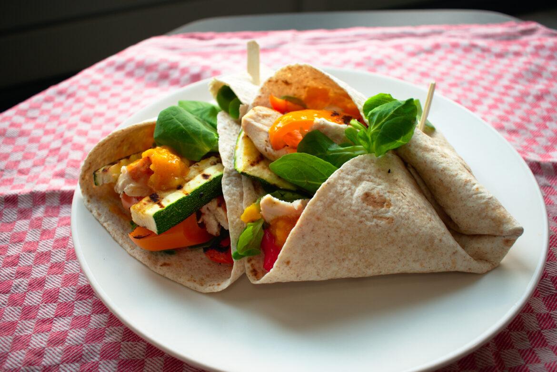 Wraps met gegrilde groente en kip