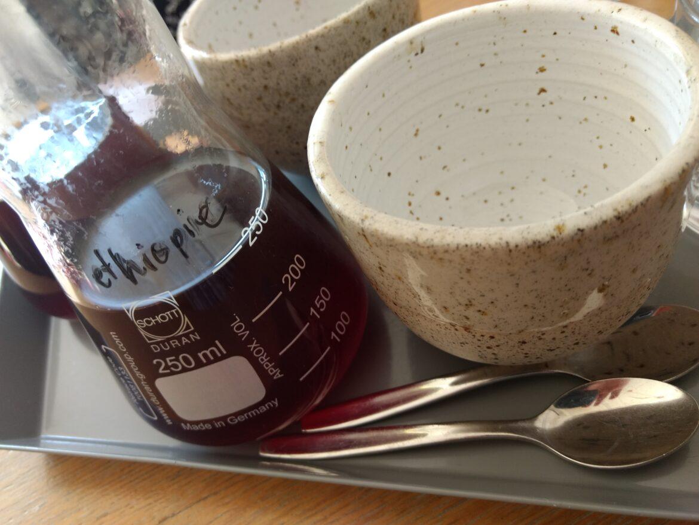 Koffie in Erlenmeyer bij Yirga