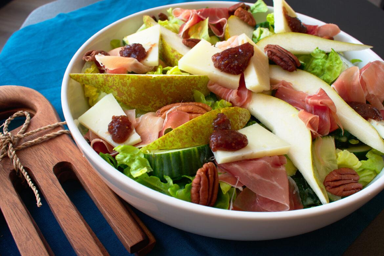 Salade met manchego en serranoham