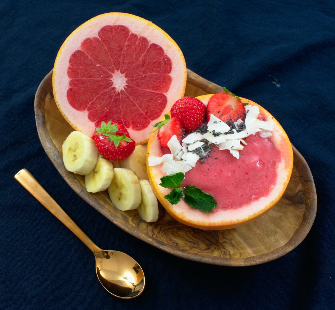 Grapefruit aardbei smoothiebowl