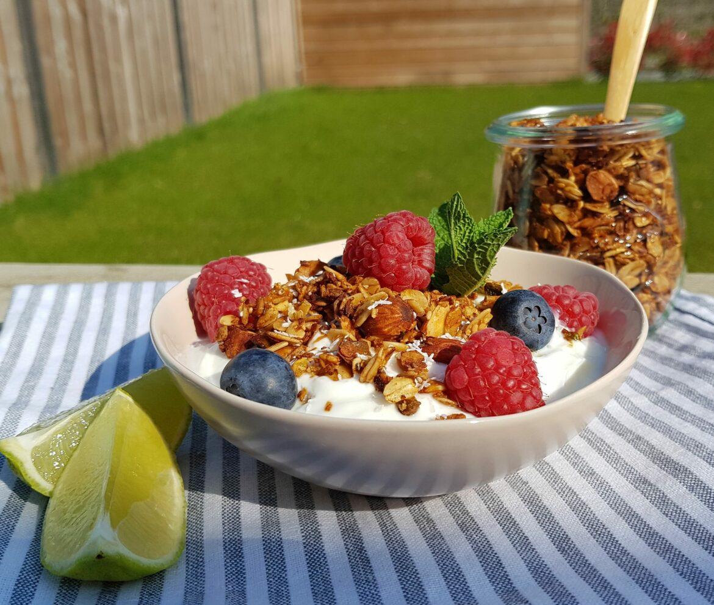 Limoen-honing granola