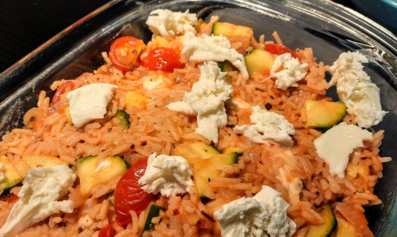 Romige rijst met tomaat en mozzarella
